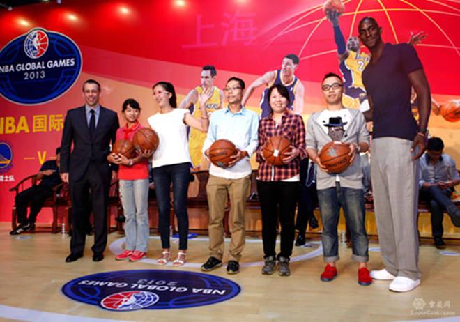 NBA国王VS网队国粉爆挤现场 NBA总裁:超乎想象