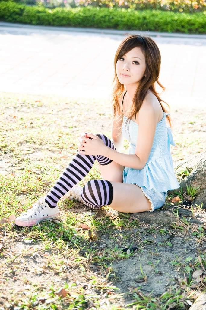 黑白斑马丝袜美女写真