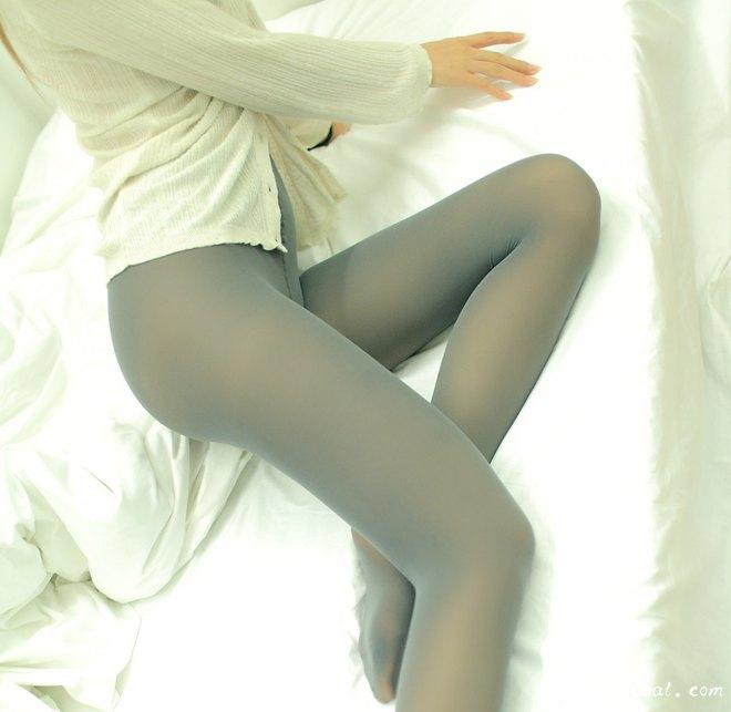 灰色丝袜 性感少妇美腿诱惑
